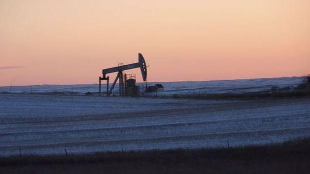 OPEC ve diğer üreticilerin arz fazlasını neredeyse sildiği belirtildi