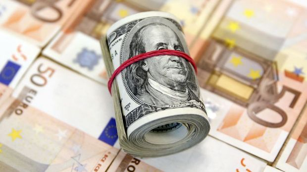 "Euro/dolar ""Draghi"" ardından güçlü seyretti"