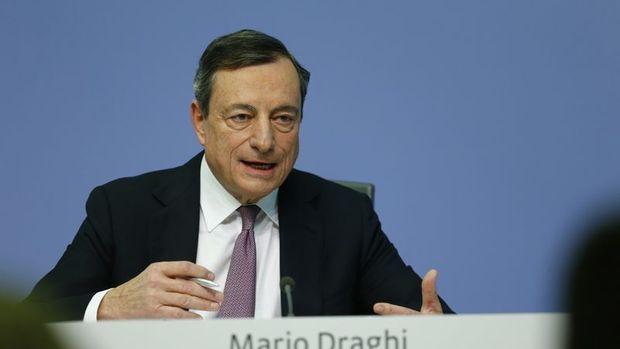 AMB/Draghi: Büyümede ılımlılaşma olsa da güçlü