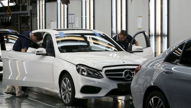 Daimler'in ilk çeyrek karı tahminlerin altında geldi
