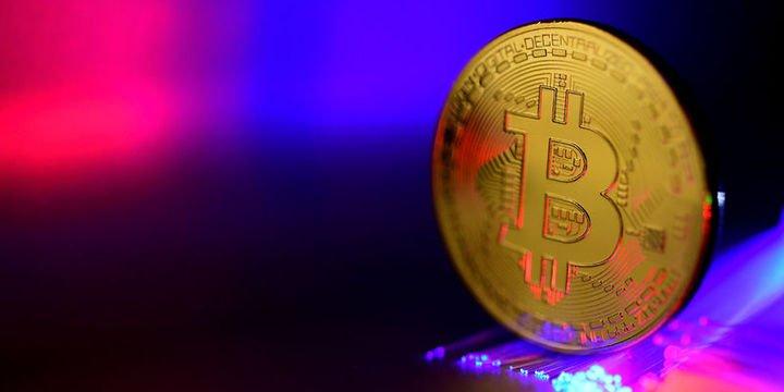 Bitcoin 9,328 dolarda yatay, Ripple % 1 düştü