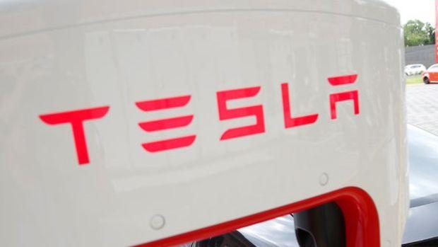 Tesla ilk çeyrekte beklenenden az zarar etti
