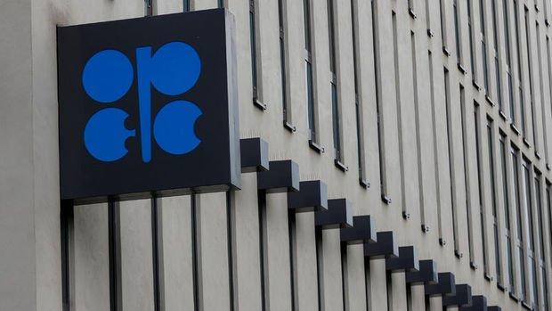 OPEC ve müttefiklerinin petrol arzı fazlasını silmiş olduğu belirtildi