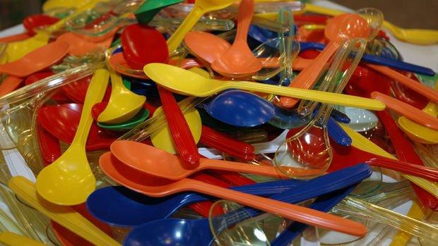 AB'den tek kullanımlık plastiklere yasak geliyor