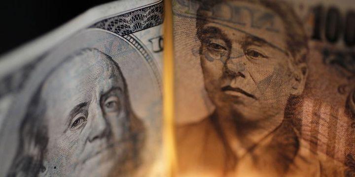 """Dolar """"İtalya"""" endişeleriyle yen karşısında geriledi"""