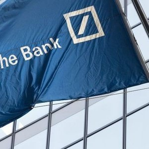 DEUTSCHE BANK HİSSELERİ REKOR SEVİYEYE DÜŞTÜ