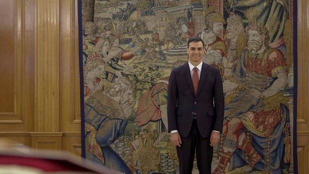 İspanya'nın yeni başbakanı Sanchez yemin etti