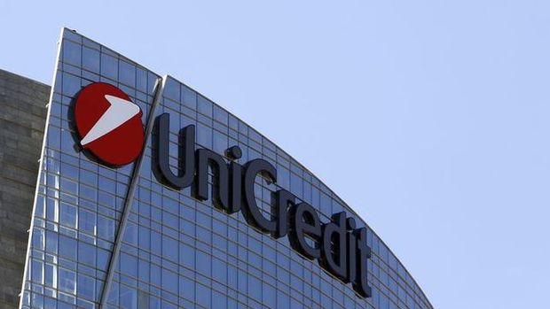 FT: UniCredit'in SocGen ile birleşmeyi değerlendirdiği belirtildi