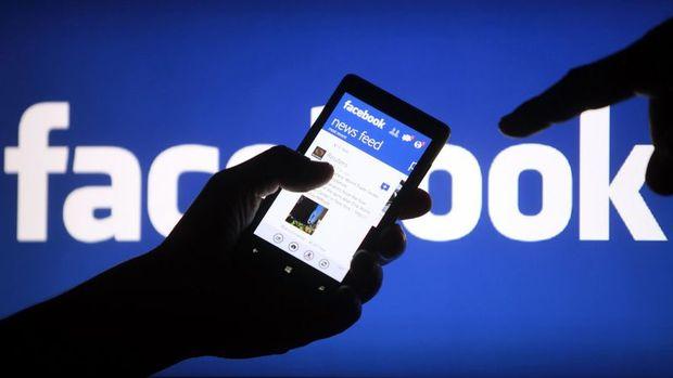 Facebook'un verileri cep telefonu üreticileriyle paylaştığı iddia ediliyor