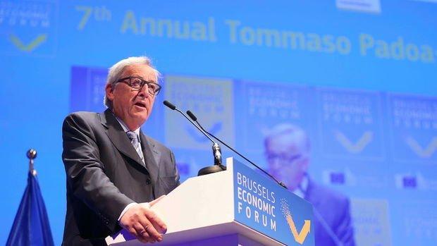 Juncker: İtalya, Avrupa ve euronun kalbinde yer alıyor