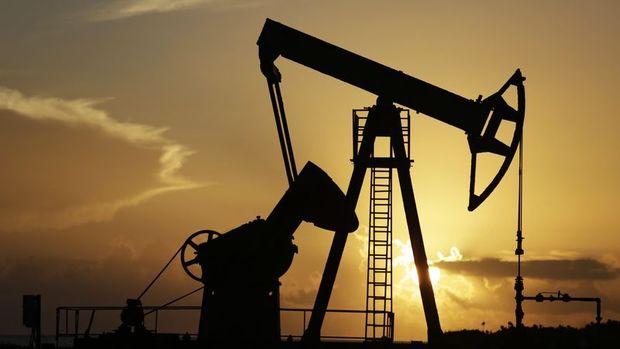 """Petrol """"OPEC"""" endişesiyle geriledi"""