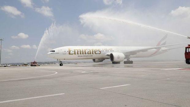 Emirates 74 bin lira maaş vereceği Türkleri bulmaya geliyor