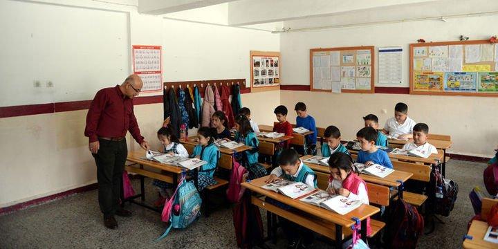 Yılmaz: Öğretmenler öğrencisine ev ödevi veremeyecek