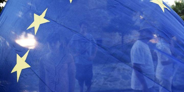 """""""Euro Bölgesi'nde aşağı yönlü riskler hakim"""""""