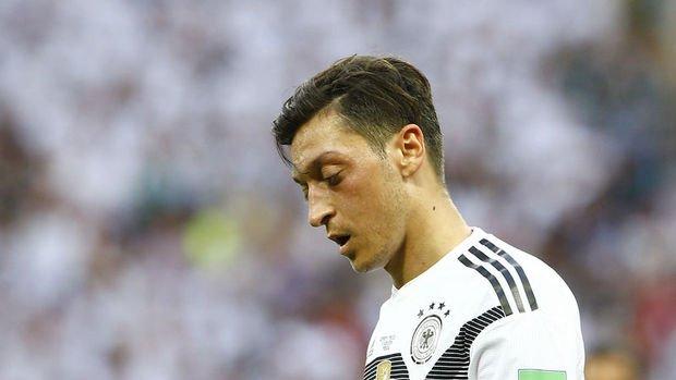 Mesut Özil'in kararı İngiliz ve Alman medyasında geniş yer buldu
