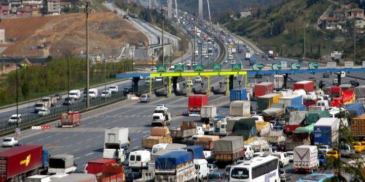 Köprü ve otoyol gelirleri ilk yarıda 883.9 milyon lira oldu