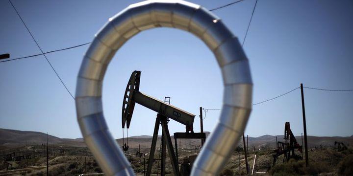 Petrol dolardaki düşüş ve arz aksaklıkları ile yükseldi