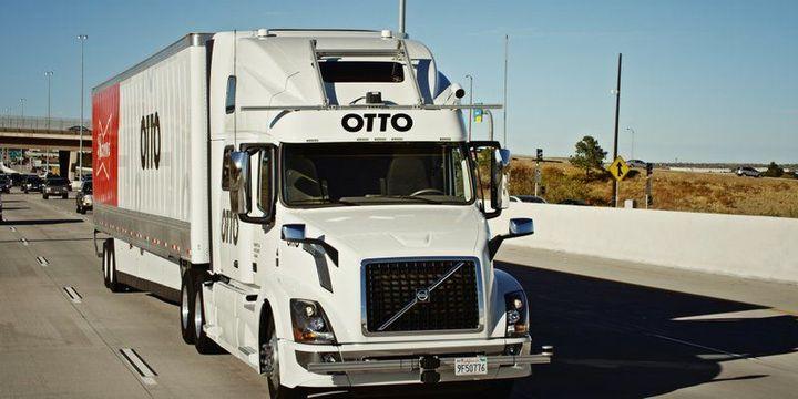 Uber sürücüsüz kamyonet programını durdurdu