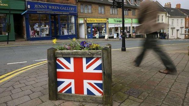 İngiltere'de hizmet PMI Temmuz'da 3 ayın en düşüğüne indi
