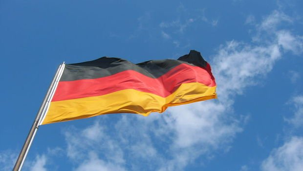 Almanya'da Haziran'da ihracat değişmezken, ithalatta rekor geldi