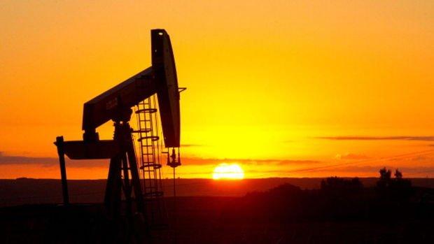 """Petrol """"ABD üretimi"""" ile yatay seyrediyor"""