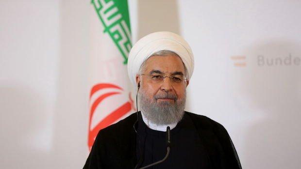 Ruhani'den 'yaptırımlara rağmen petrol ihracına devam' vurgusu