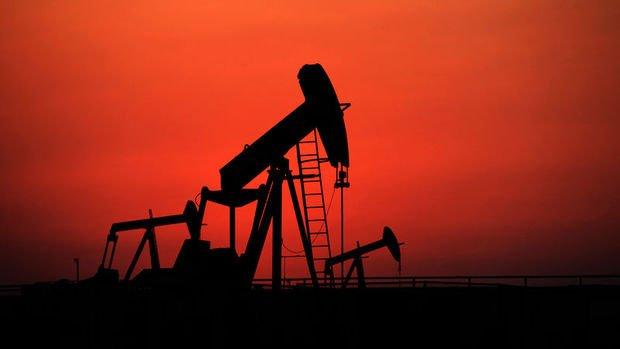 Petrol stokların artacağı beklentisi ile 69 dolar civarına geriledi