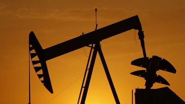 ABD'nin ham petrol stokları azalırken üretim arttı
