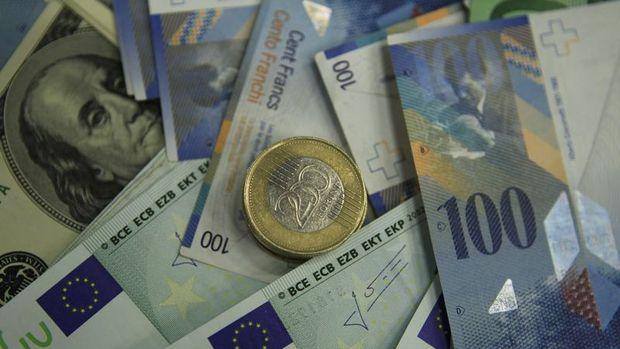 Euro/dolar 3 günlük yükselişin ardından düştü