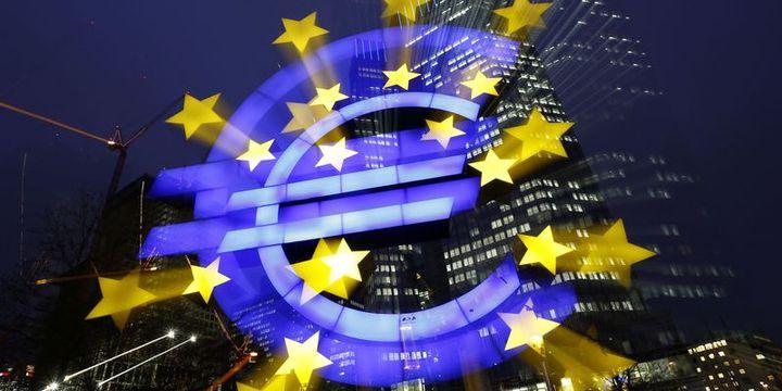 Avrupa Merkez Bankası büyüme tahminlerini düşürdü