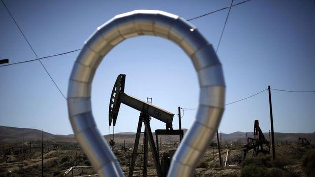 Petrol volatil seyrin ardından haftayı kazançla geçmeye yöneldi