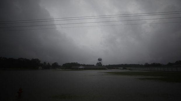 Florance Fırtınası en tehlikeli seviyeye ulaştı