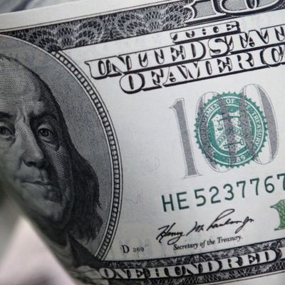 Dolar piyasanın riske yönelmesi ile baskı altında