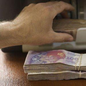ARJANTİN PESOSU MERKEZ BANKASI HABERİYLE %4'ÜN ÜZERİNDE DÜŞTÜ