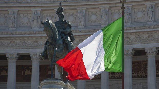 Borghi: İtalya kendi para birimiyle borç sorunlarını çözebilirdi
