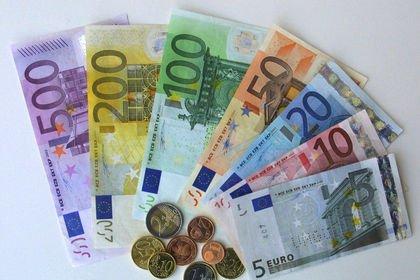 Euro 6 haftanın düşüğünden sıçradı