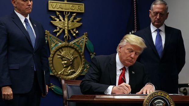 Trump'ın 4 ülke sığınmacılarını sınır dışı kararına yargı engeli