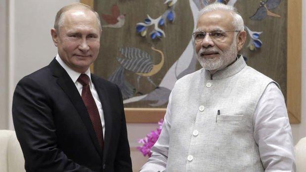 Hindistan Rusya ile S-400 anlaşması imzaladı