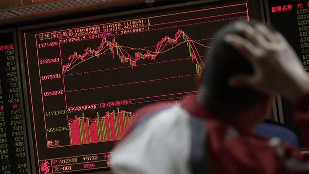 Çin hisseleri tatil sonrasında sert düştü