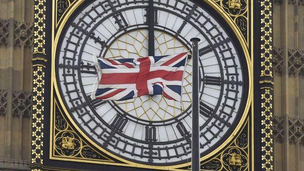 İngiltere 2. çeyrekte tahminlerin üzerinde büyüdü