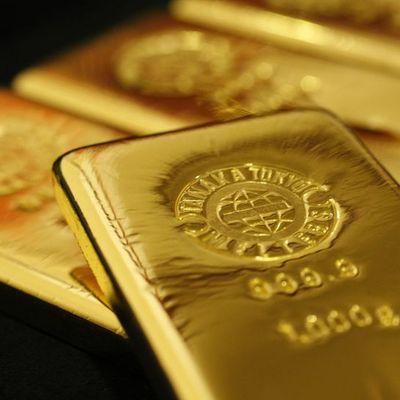 Altın riskten kaçınma alımları ile yükseldi