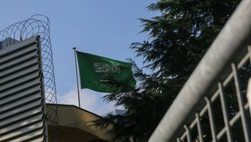 Konutu aranacak olan Suudi konsolos ülkesine döndü