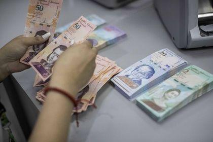 Venezuela bankacılık işlemlerinde dolar kullanm...