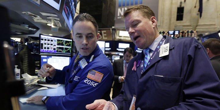Küresel Piyasalar: Dolar düştü, hisse senetleri iyi karlardan destek buldu