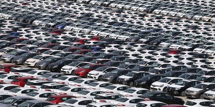 2,5 milyar dolarlık 100 bin otomobil gümrükte bekliyor