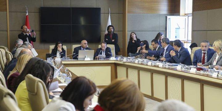 Sağlık alanında düzenlemeler içeren teklif komisyondan geçti