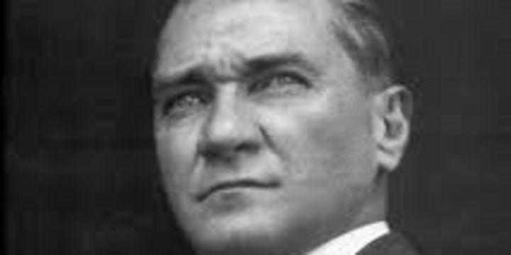 Türkiye, büyük önder Atatürk