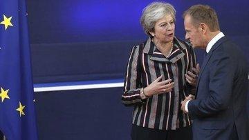 İngiltere'de kabine May'in 'Brexit' planına direniyor