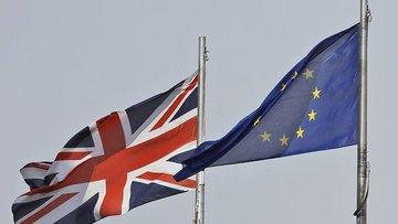 May üzerinde Brexit planından vazgeçmesi için baskı artıyor
