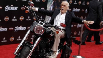 Marvel Comics'in babası Stan Lee hayatını kaybetti